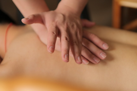 massage stomach can cure the disease